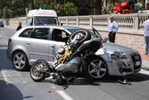 Incidenti stradali reato